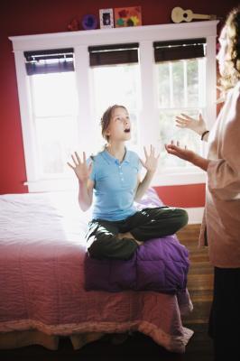 Cosa succede quando i genitori usano parolacce attorno ai loro figli?