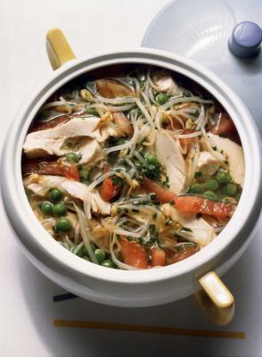 Le informazioni nutrizionali per brodo di pollo fatto in casa