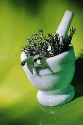 Ci sono erbe & rimedi per la guarigione naturale della gola & cancro ai polmoni?