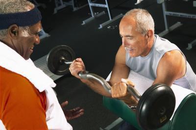 Piano di allenamento di sollevamento pesi per guadagnare più massa superiore del corpo