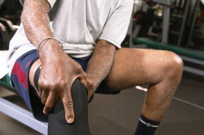 Quali sono le cause bruciore dolore al ginocchio dopo l'esercizio?