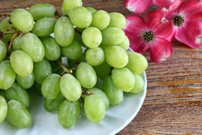 Uva e alimenti negativi di caloria