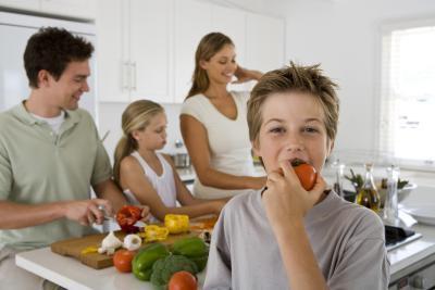 Quali sostanze nutrienti adolescenti bisogno di costruire ossa forti?