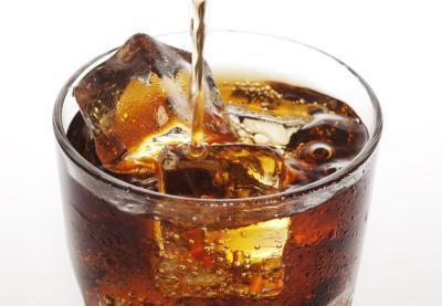 Dieta Soda conta come l'assunzione di acqua?