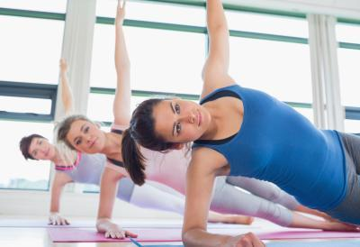 Basso impatto Ab & Butt esercizi con un infortunio al ginocchio