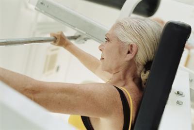 Esercizi per le donne oltre 90 anni vecchio