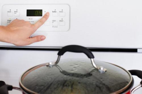 Come cucinare la pannocchia su un piano di cottura