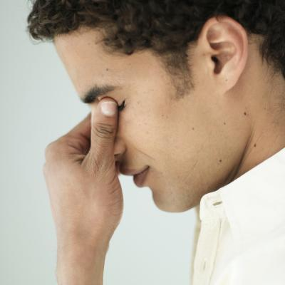 Come ad alleviare mal di testa del seno?