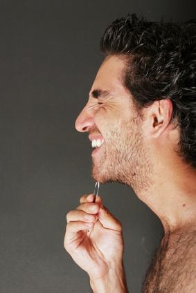 Come sbarazzarsi di peli sul viso per gli uomini