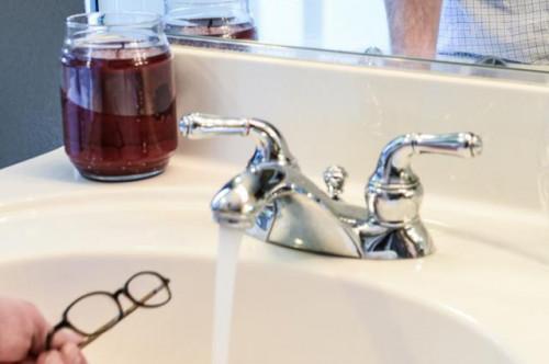 Come rimuovere i graffi da occhiali da vista