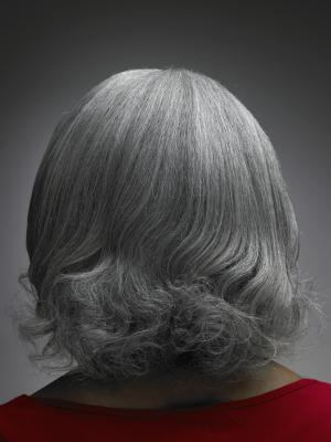 Come rendere lucidi i capelli grigi