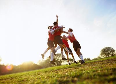 Quali sono gli scopi sociali e fisici per lo sport?