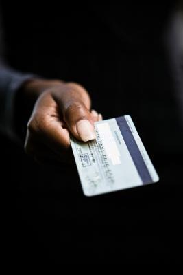 Cosa succede in tribunale dopo una citazione da un collezionista di debito di carta di credito?