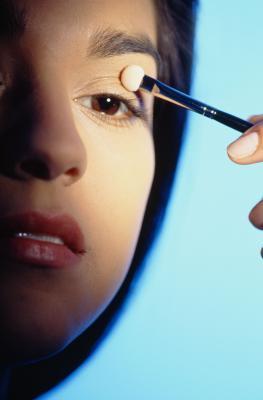 Reazione allergica ai sintomi di trucco dell'occhio