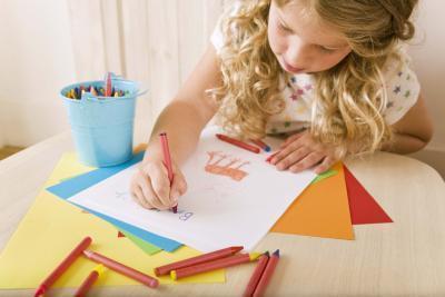 Idee per l'integrazione di arte nel sviluppo della prima infanzia