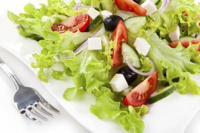 Mangia l'insalata aiuta perdere peso?