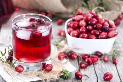 Quali sono i benefici del succo di mirtillo rosso per i maschi?