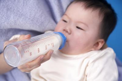 Olio di cocco & vitamina D per un neonato