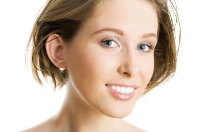 Quali sono i vantaggi della ceretta viso?