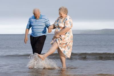 Esercizi gratuiti per gli anziani con la grande pancia