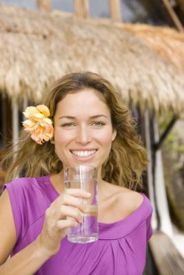 Quanto peso si può perdere da bere 8 bicchieri di acqua al giorno?