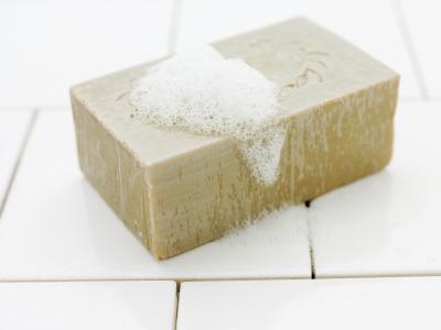 Come fare il miele & farina d'avena sapone